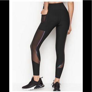 Total Knockout Victoria Sport High-rise 7/8 Tight